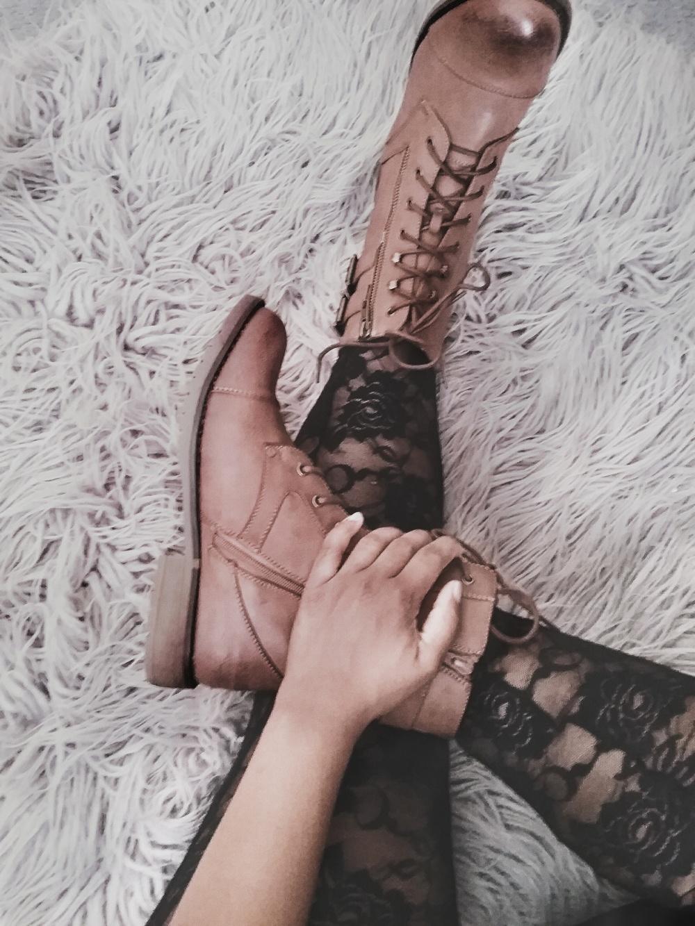justnatonya-combat-boots-lace-leggings-fashion-trend